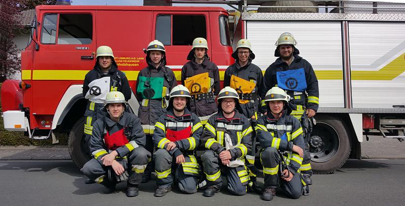Neun junge agile Kameraden der Hollesser Wehr stellten sich den Anforderungen der hessischen Feuerwehrleistungsübungen am Sonntag, 22.05.2016